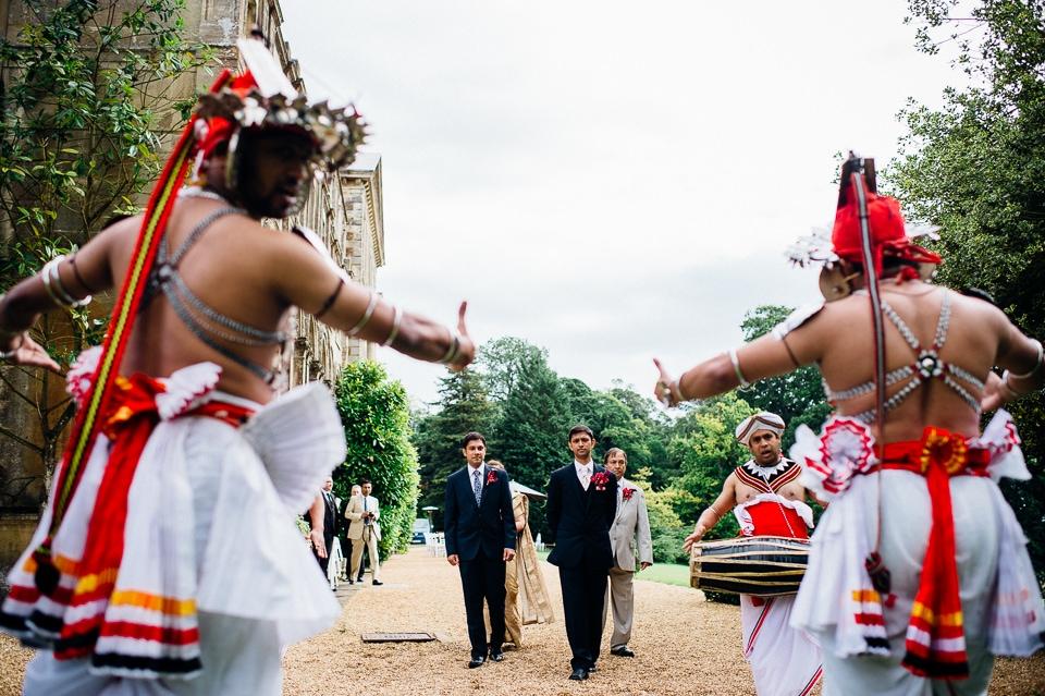aynhoe park wedding alternative documentary photography-11