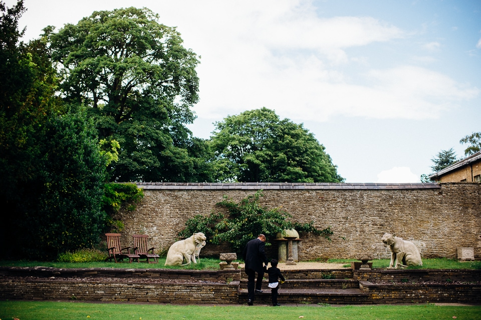 aynhoe park wedding alternative documentary photography-16