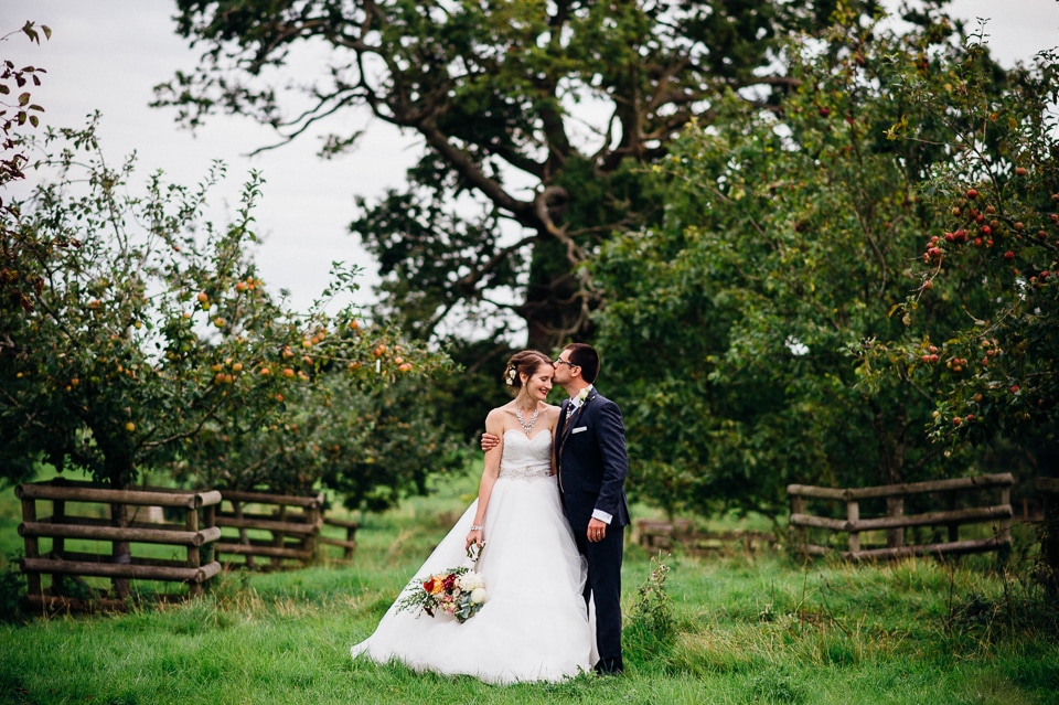 alternative fun documentary wedding photographer-31