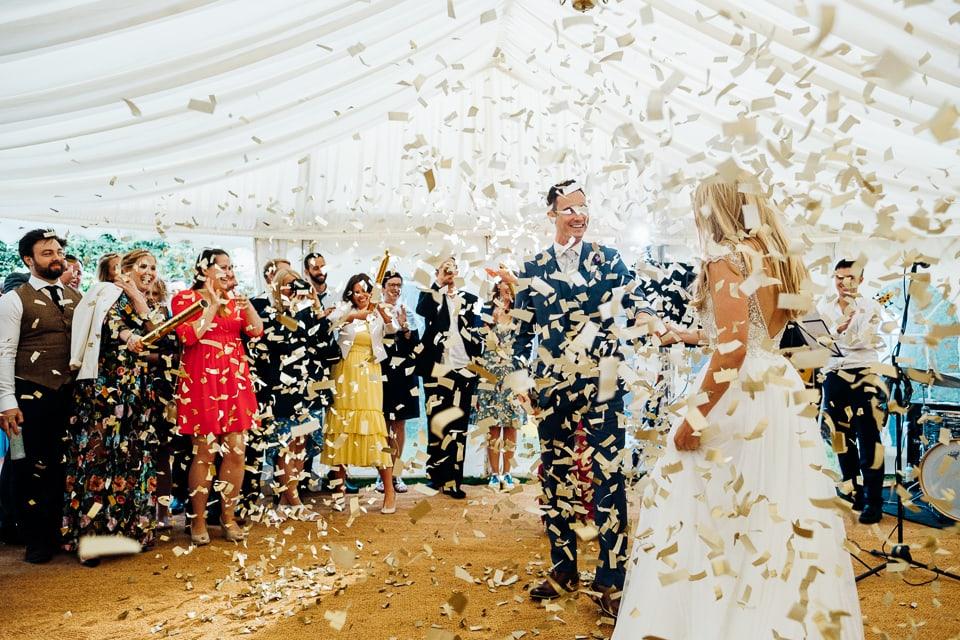 confetti cannon first dance