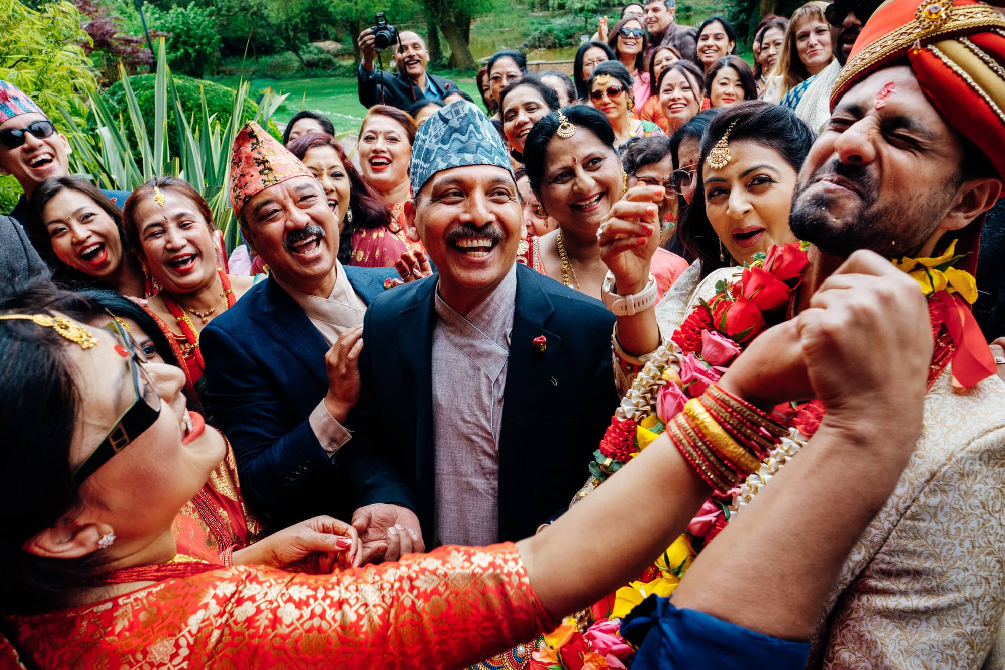 fun asian wedding photographer