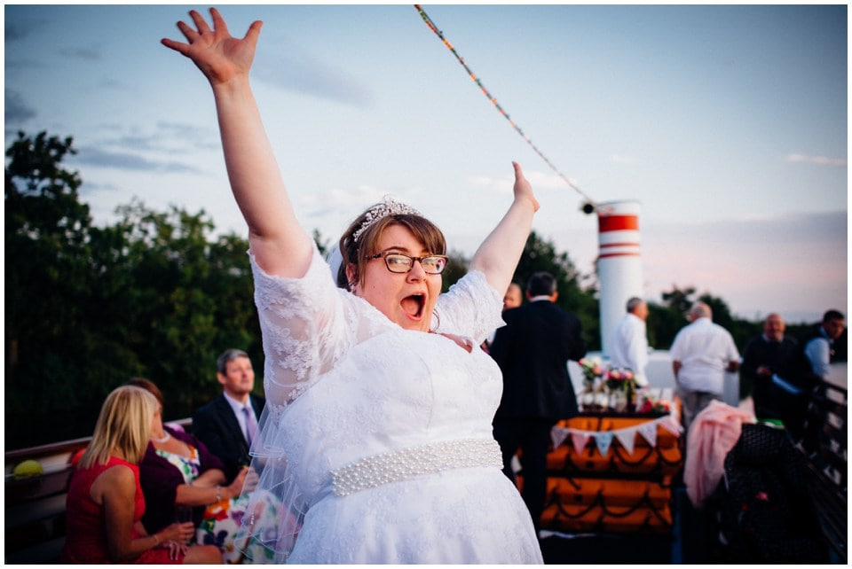 fun_boat_wedding_0034