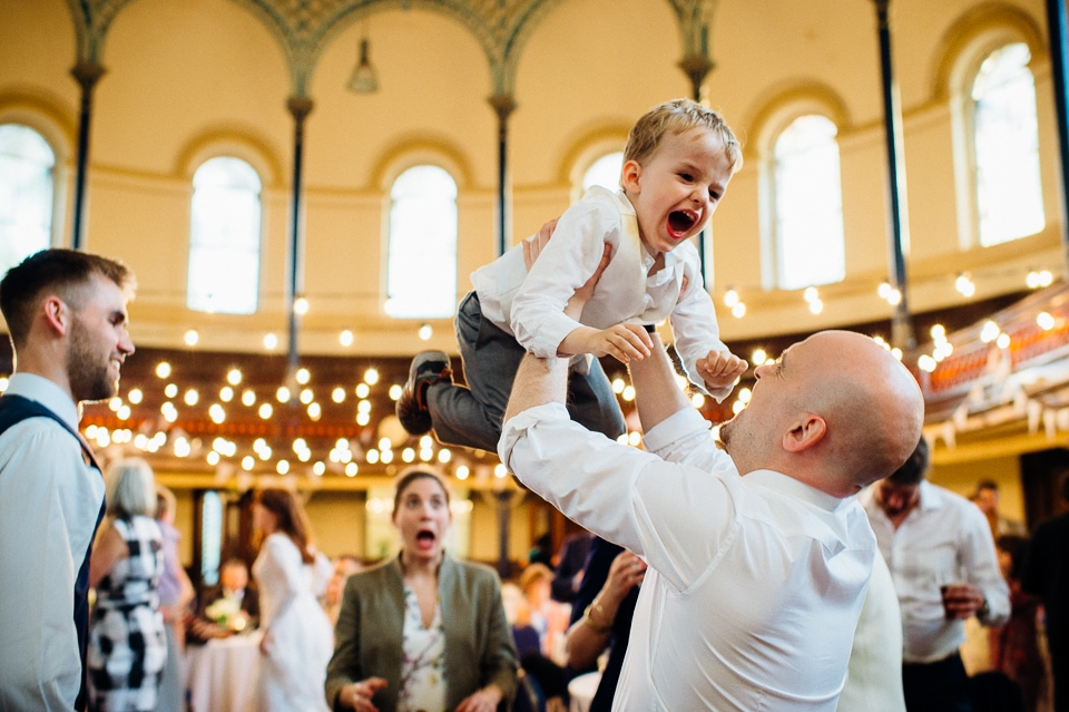 round chapel wedding-53